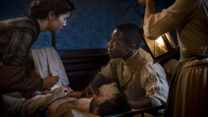 Nurse Mary Phinney (Mary Elizabeth Winstead) and Samuel Diggs (McKinley Belcher III)