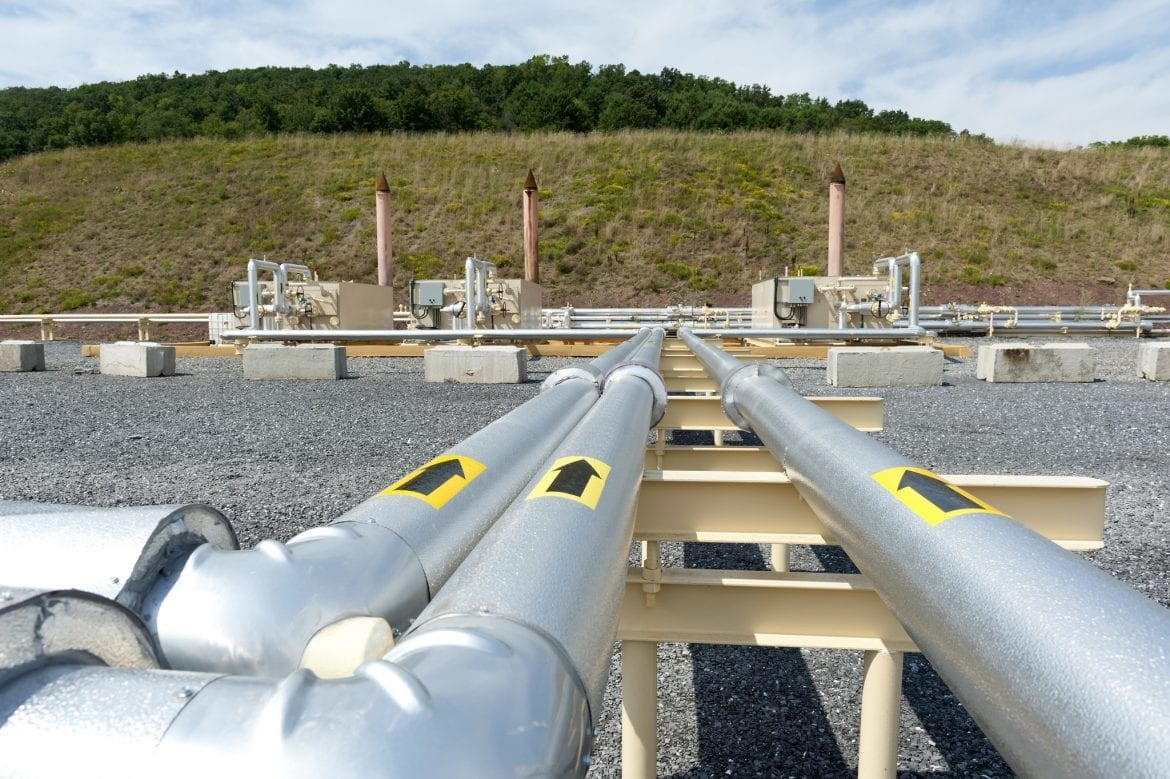 shale_gas_pipes_in_pa.jpg