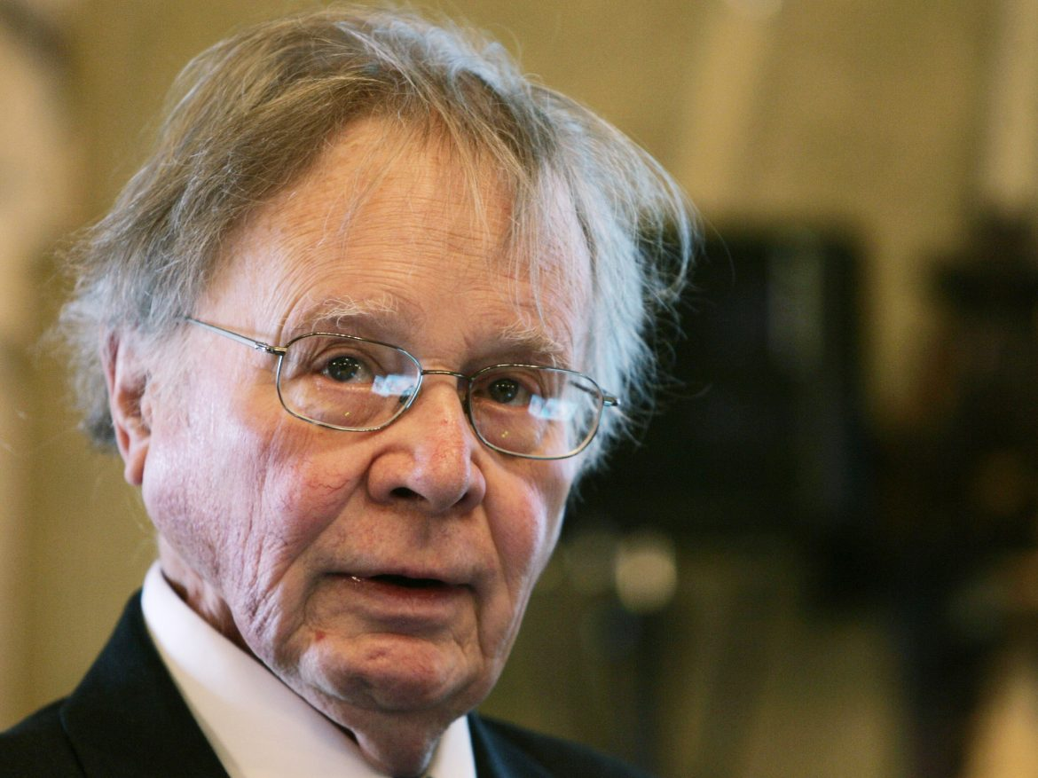 "Wallace Broecker, a professor at Columbia University in New York, speaking during the Balzan Prize ceremony in Rome in 2008. Broecker, a climate scientist who popularized the term ""global warming,"" died Monday."